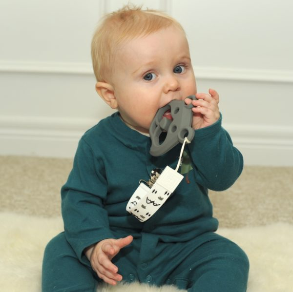 Attache et jouet de dentition de Malarkey Kids - Bear